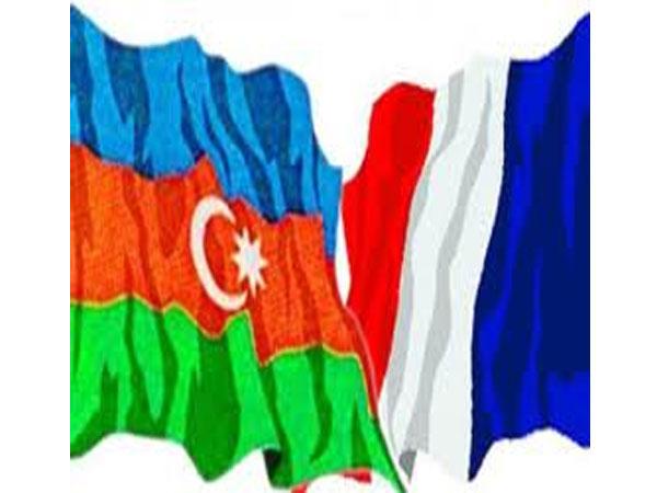 Azərbaycanca–Fransızca danışıq kitabçası çapdan çıxıb